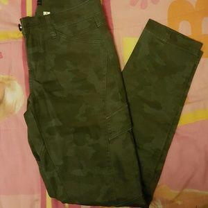 NWOT Camo Army Skinny Jeans